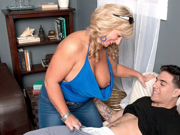 50 Plus MILFs - Granny over 50 years old hardcore sex pictures and movies
