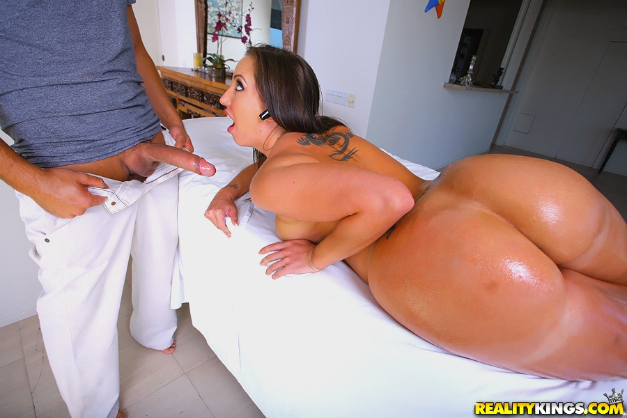 Monster Curves big asses and bit tits fucking hardcore porn movies and pictures