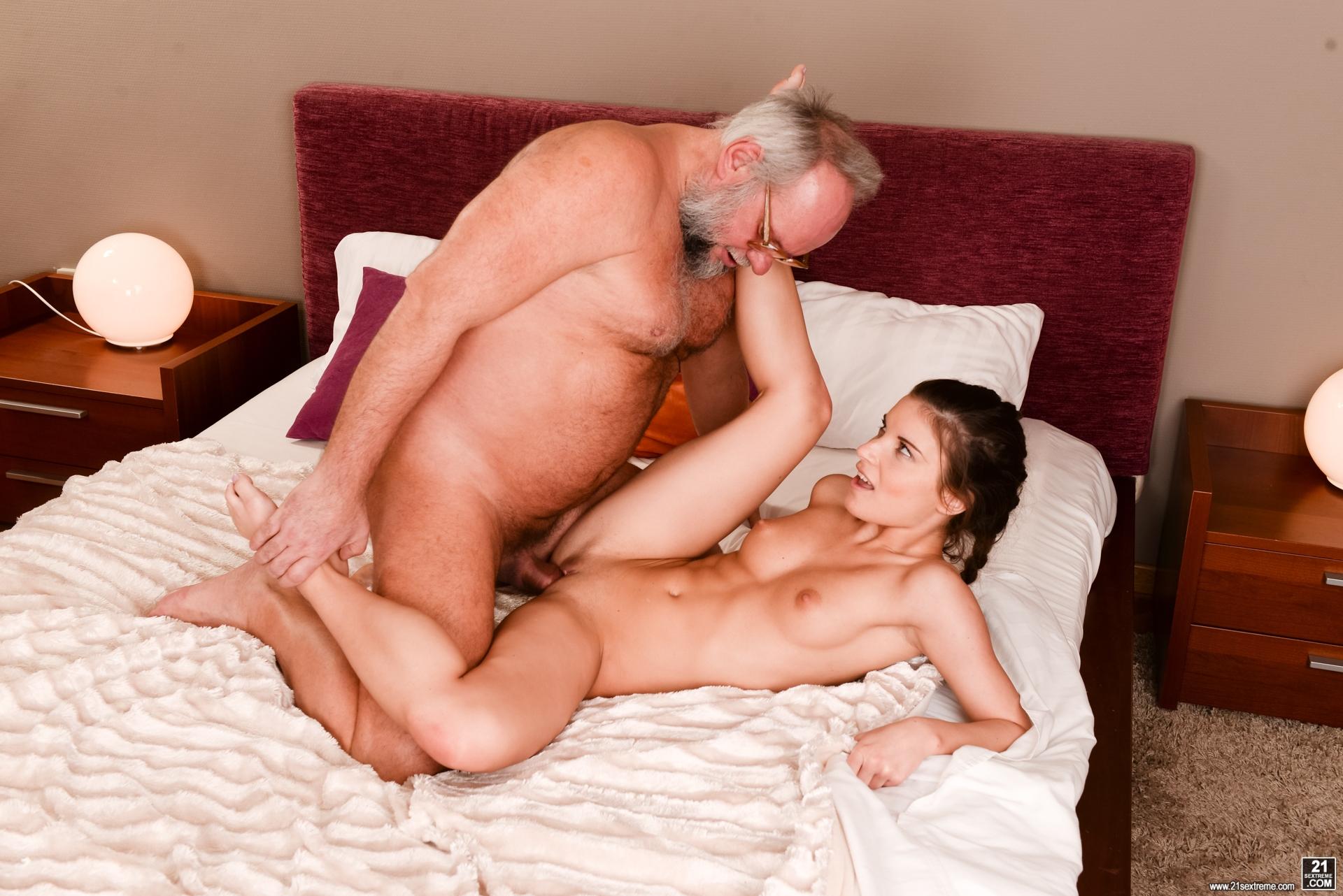 Hot Milfs And Gilfs Pleasing Boys