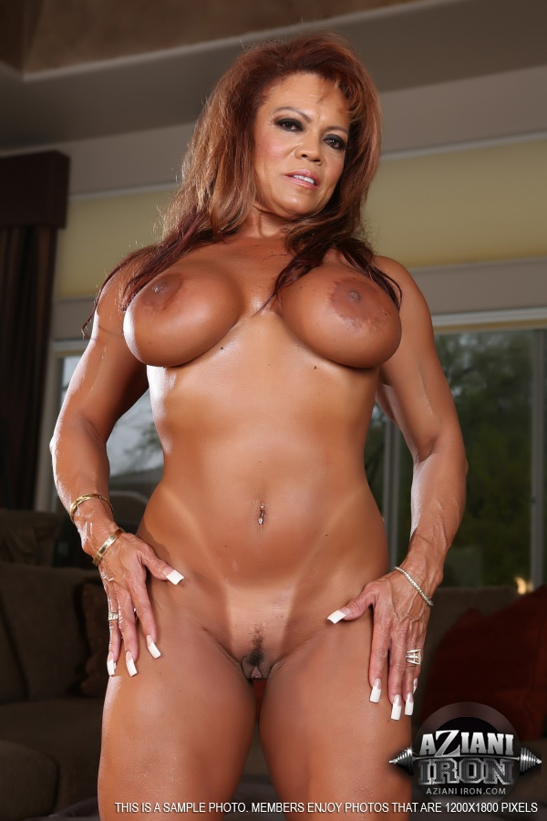 black-naked-bodybuilder-women-wet-ass-tits-and-pussy