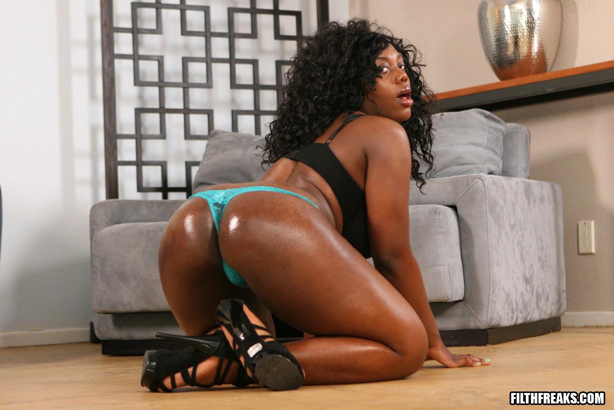 Lauren black pornstar ghetto hoochie