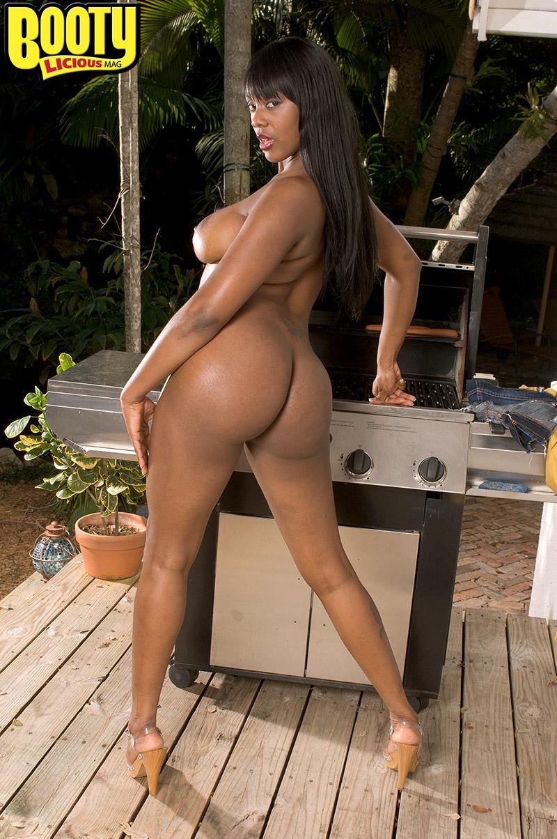 big-tits-xxx-mag-self-female-nude-shots