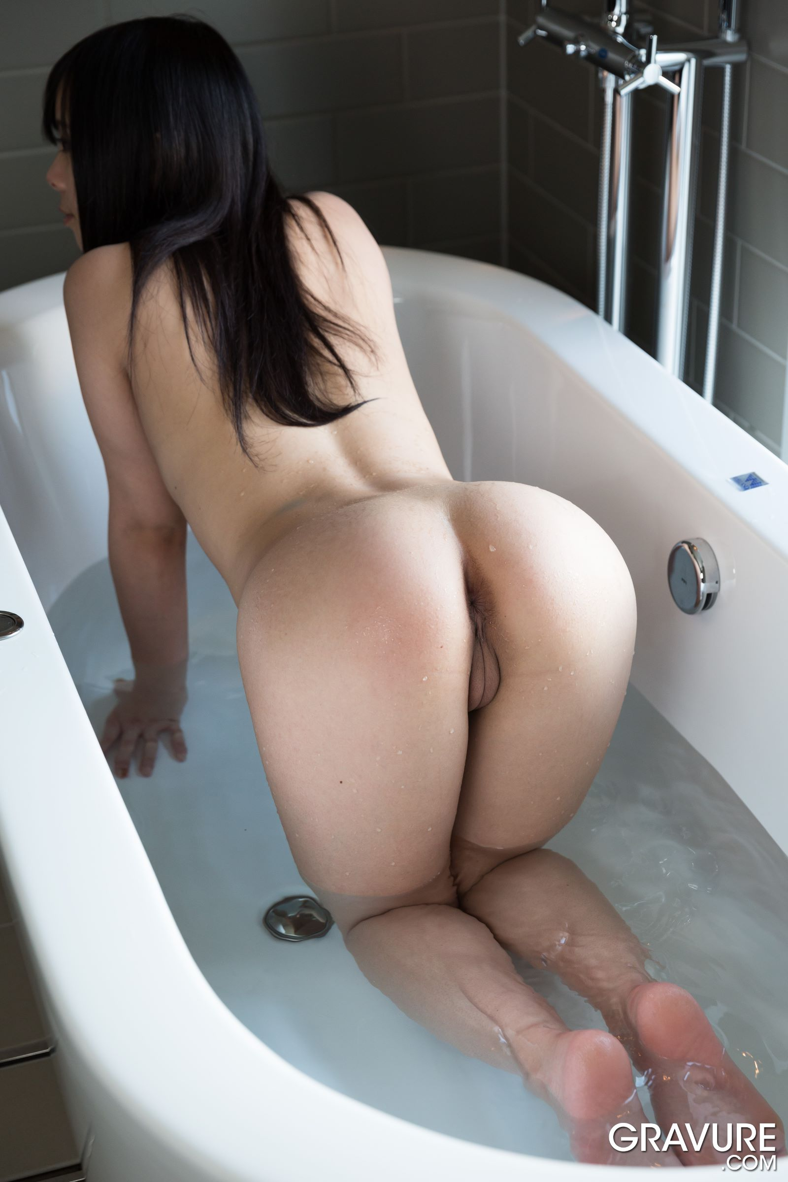 sample japanese girl nude