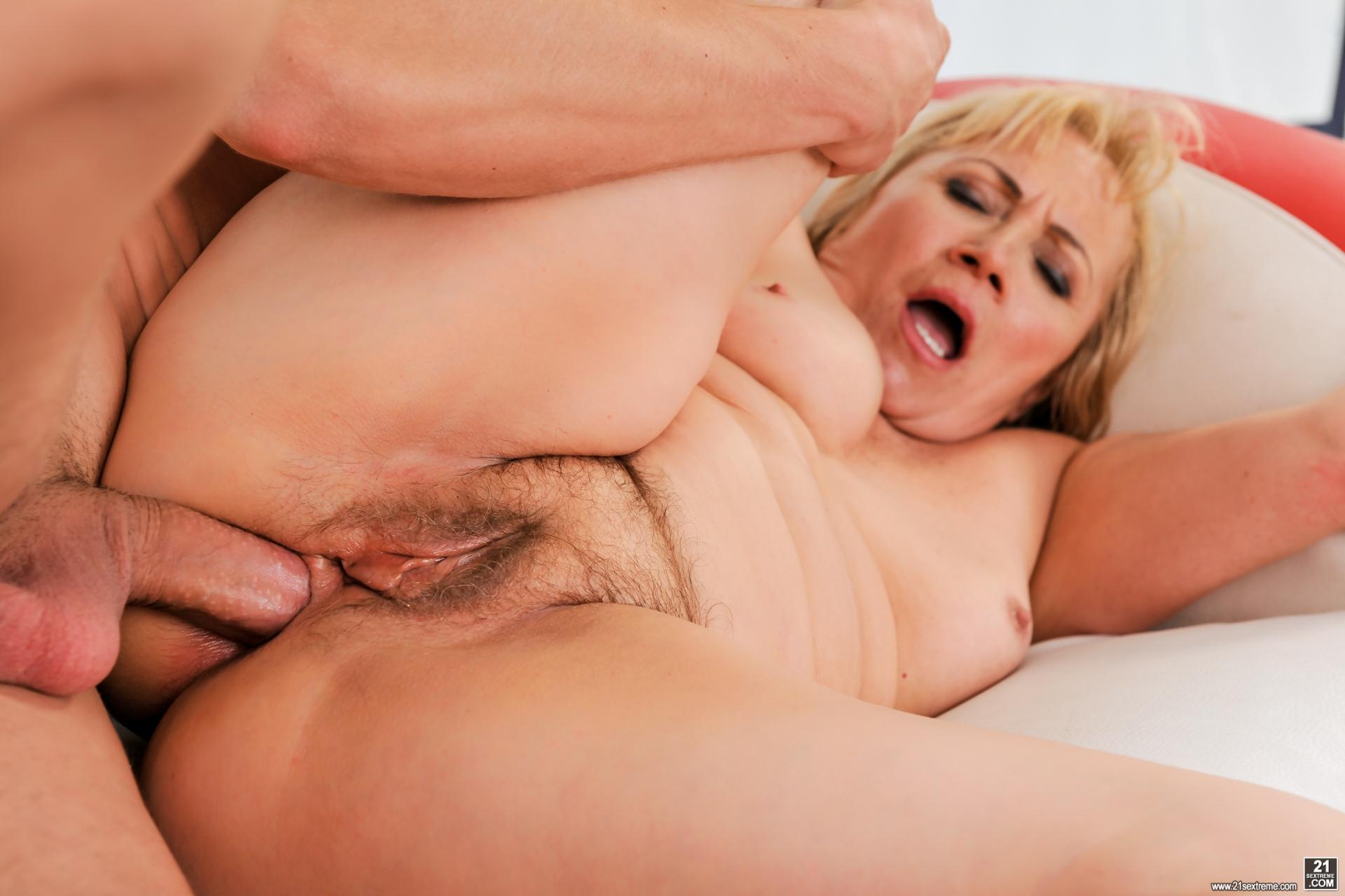 Порно-анал со старушками — 12