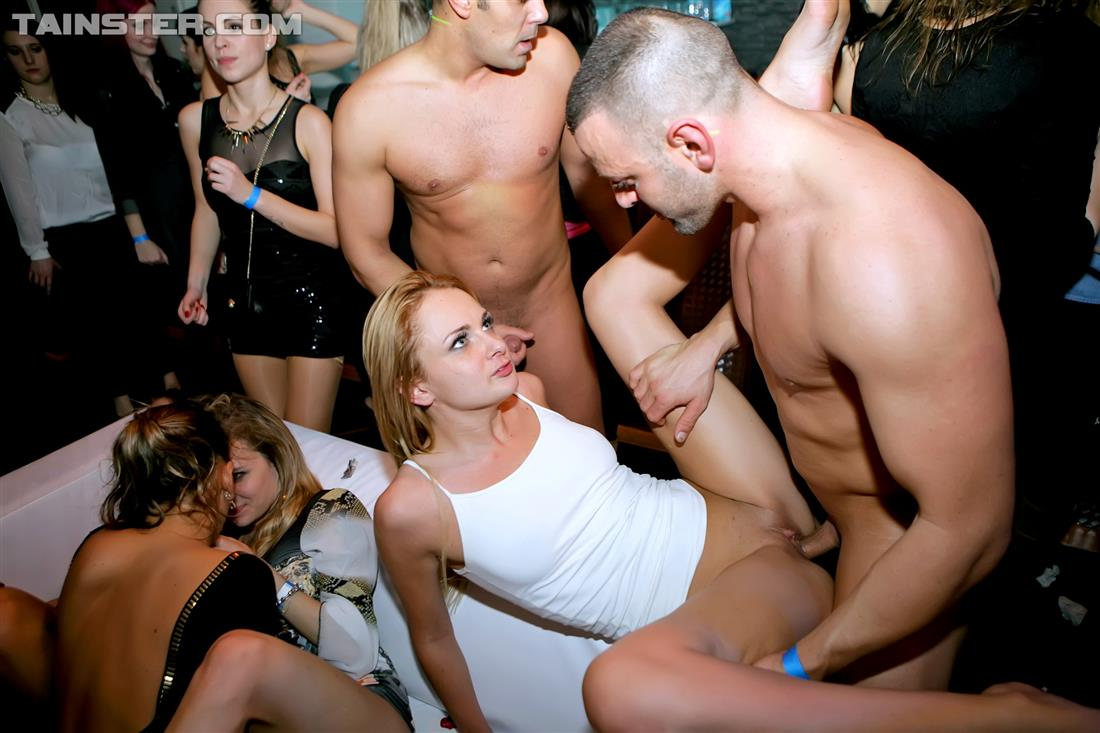 Free Porn Samples Of Drunk Sex Orgy - Uk Crazy Club Group -4767