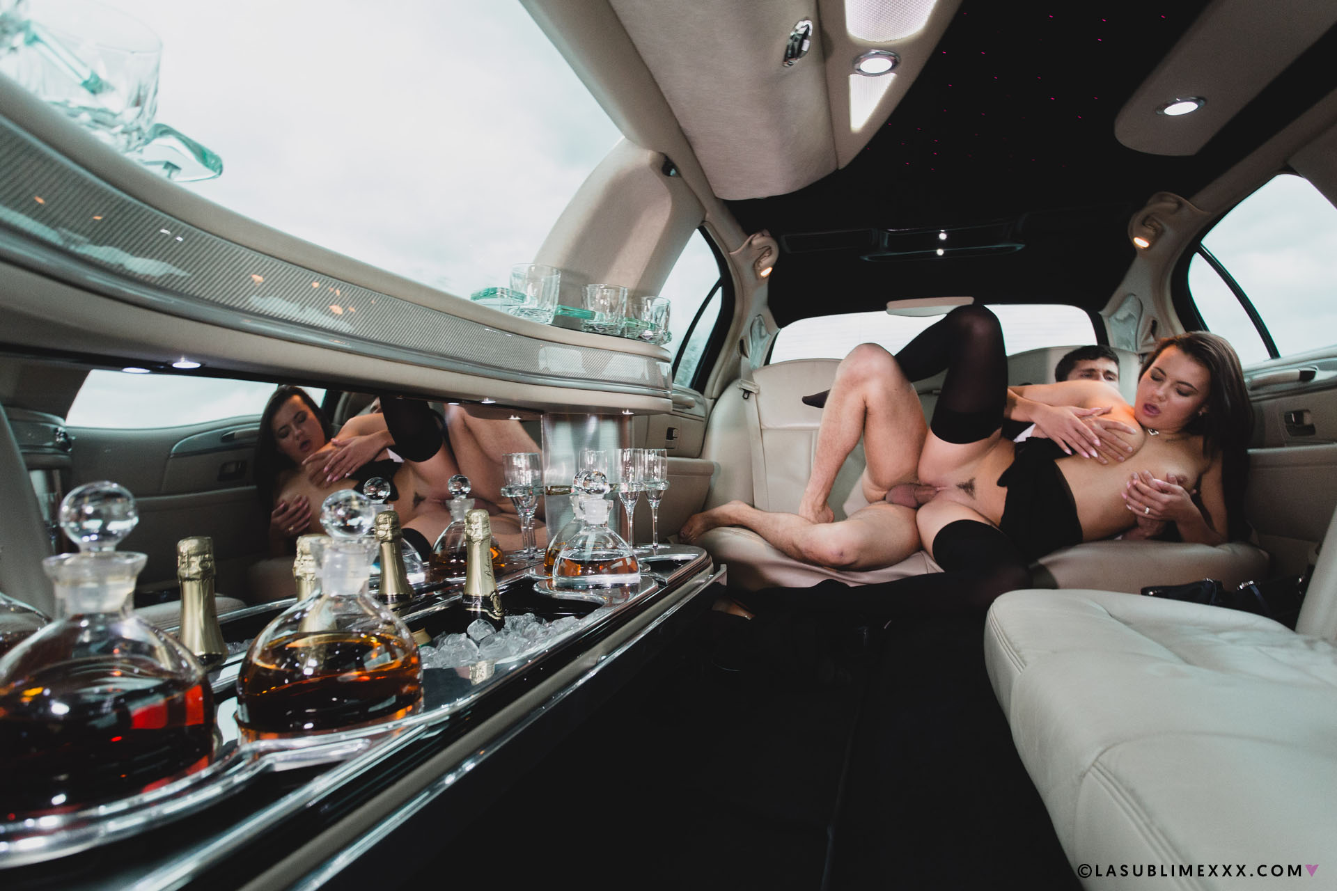 Super Hot Real Girls Naked In Limo