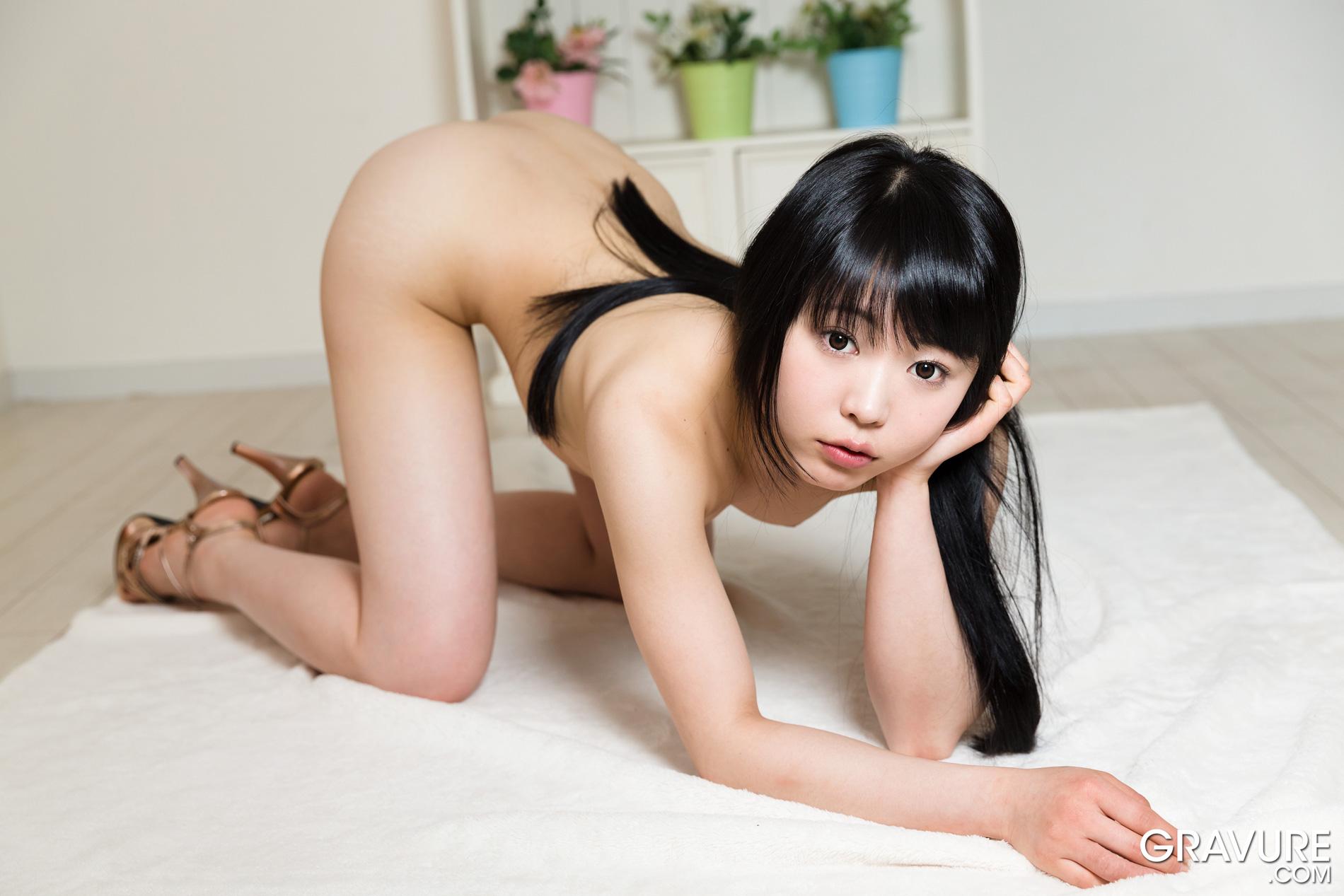 Japanese Gravure Idol Nude Pussy