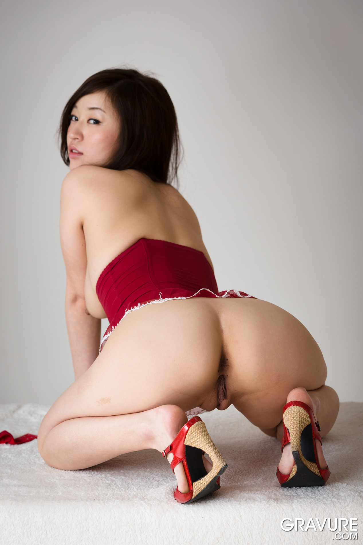 gravure.com nude Japanese beauty idol uncensored nude