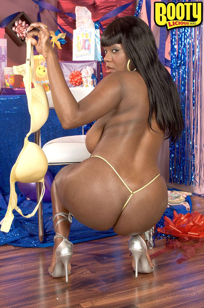 Sandra romain chocolate lovin moms 2 1