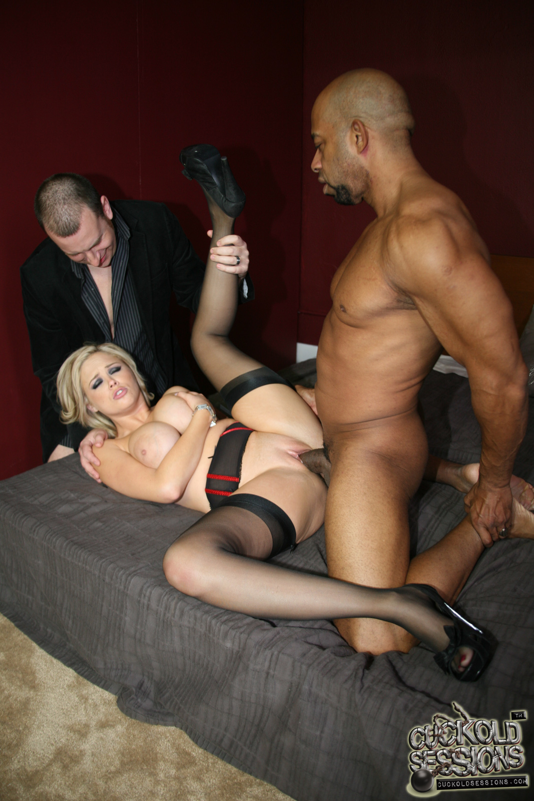 Bbc dines on blonde hotwife - 1 part 4