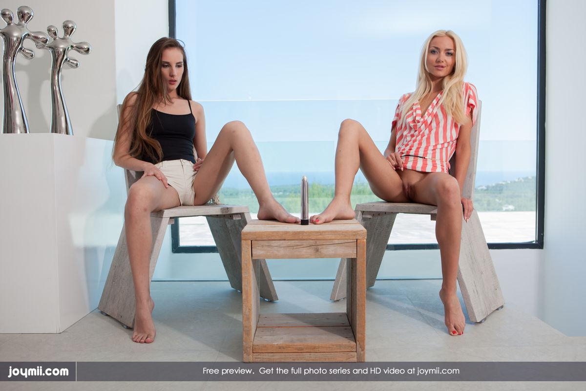 Nudes Joymii beach