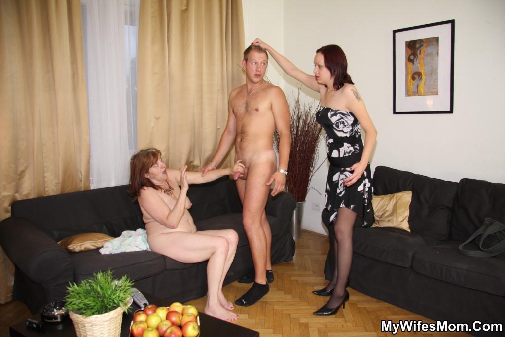 Girls Licking Pussy Com