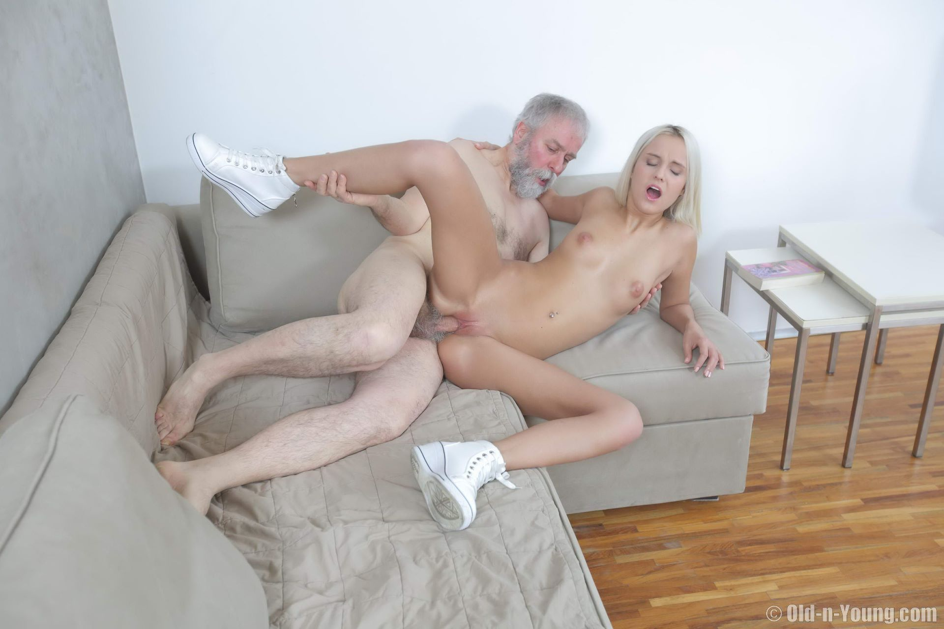 Joleyn Burst Sexy Blonde Teen Nailed By An Old Perv