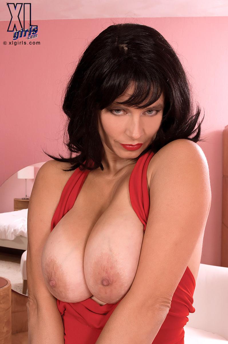 Tina xl girls busty