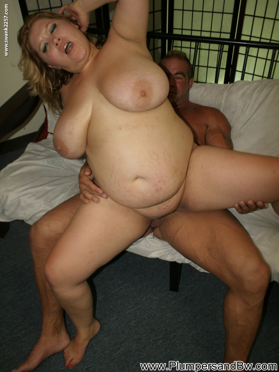 Giant hanging titties shakes amp jiggles all around the place 8